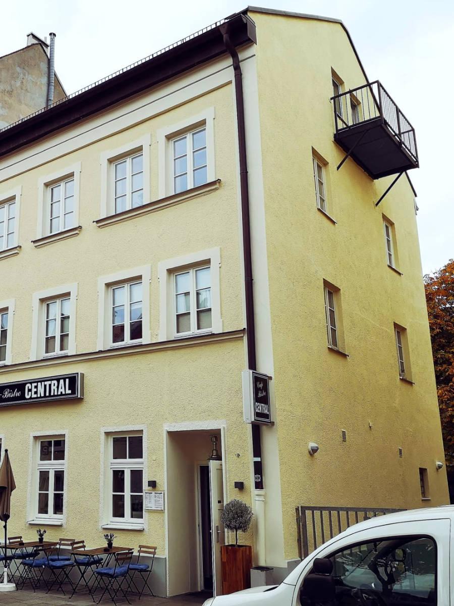 Fassadenarbeiten nachher - Malereibetrieb Taufkirchen - Roberto Biancu - Maler München